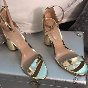 Shoes - Heels gold